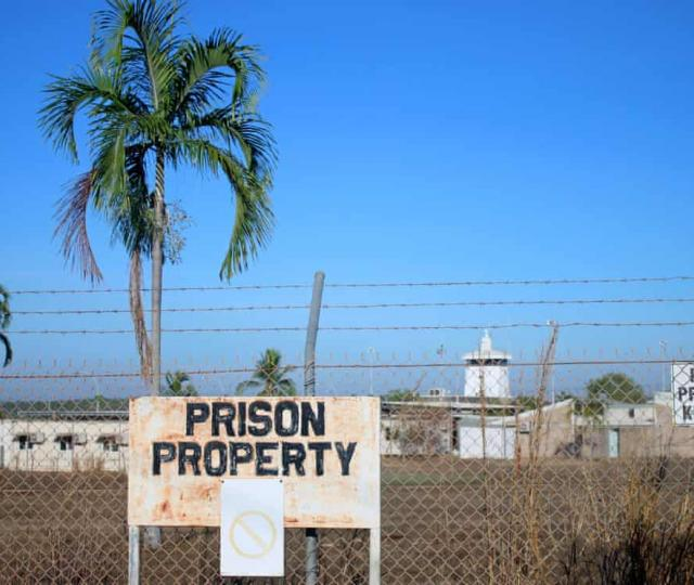 Human rights groups and Aboriginal peak organisations have called for a halt to the Northern Territory's juvenile justice laws they say are 'dangerous'.